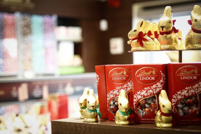 LINDT Chocolate Boutique & Studio_Silo