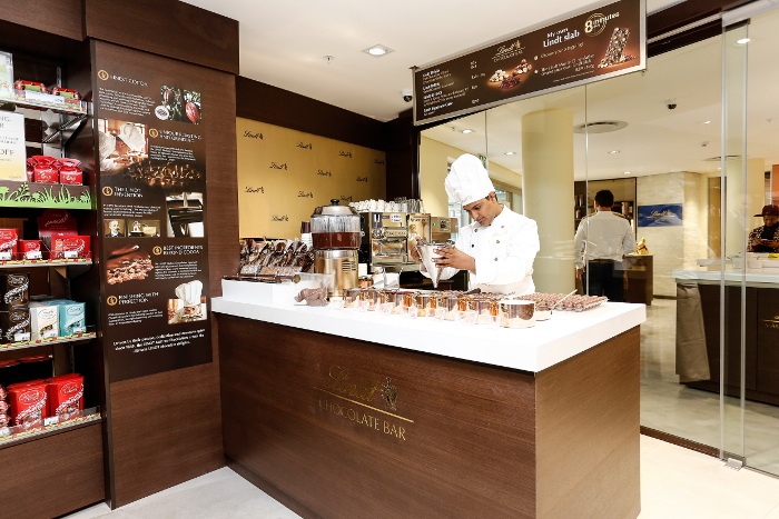 LINDT Chocolate Boutique & Studio_Silo