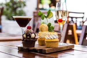 la belle bistro cocktails and cupcakes