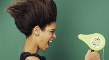 5 mistakes you're making while bloe drying your hair