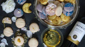 Idiom wine and macaron pairing