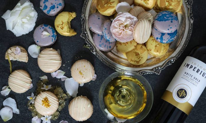Idiom wine and macaron pairing