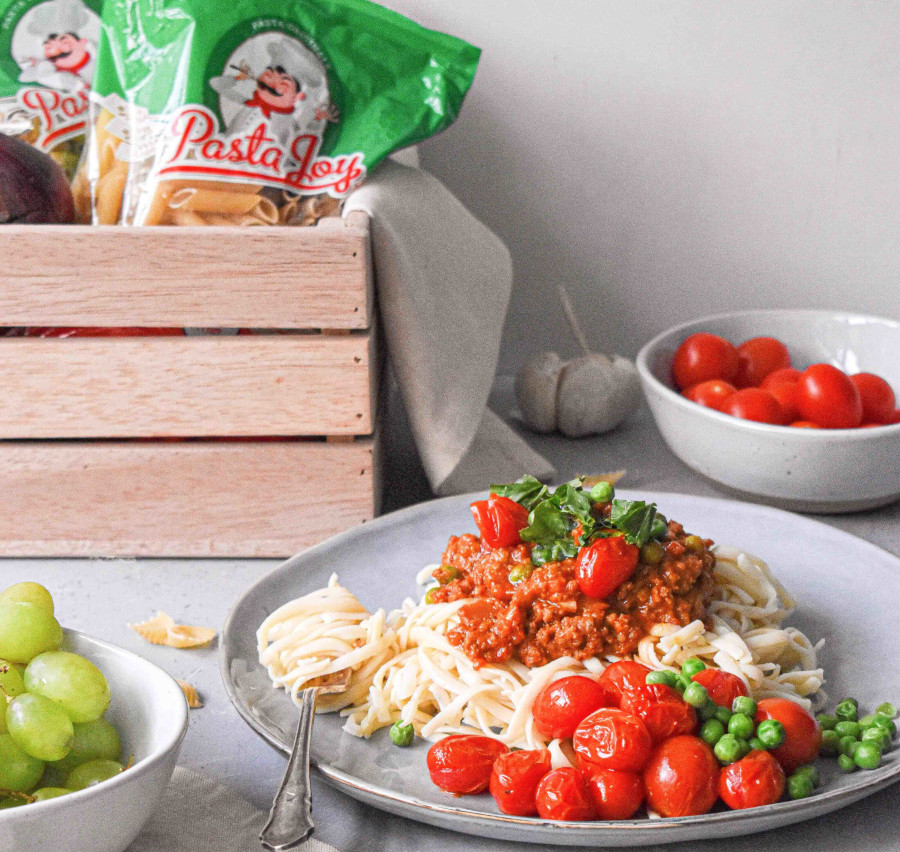 Spaghetti Marinara with beef and peas