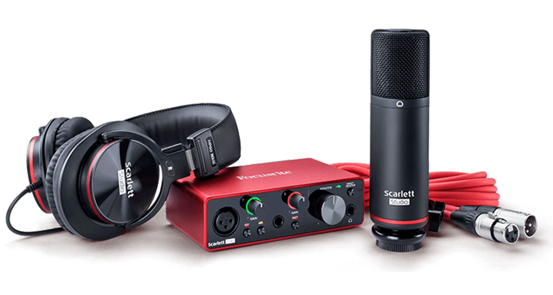 Focusrite Scarlett Solo Studio Recording Bundle Gen3
