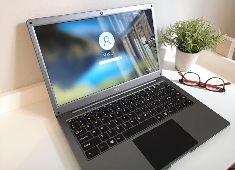 RCT Zea 2 laptop